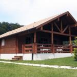 Villa mq. 69,00 sp. cm. 21  Cucina, 2 c. letto, wc. + veranda mq. 23,00  - mq. 83,00 sp. cm.21 Salone, cucina, 2 c. letto, wc. + veranda mq. 23,00.